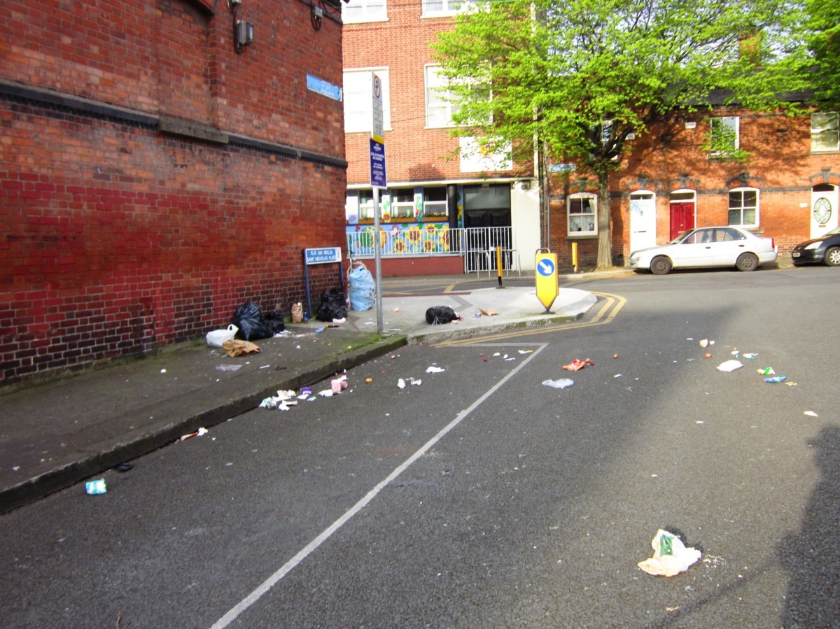 "Sub:""daily illegal dumping here..pretty pic of Dirty Dublin"" -> Nicholas Place, D8. Apr 18 2017"